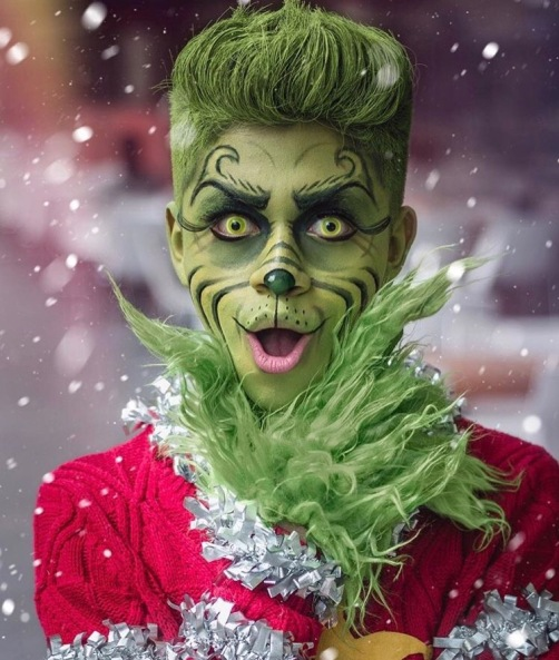 Mauro Aldairof as The Grinch